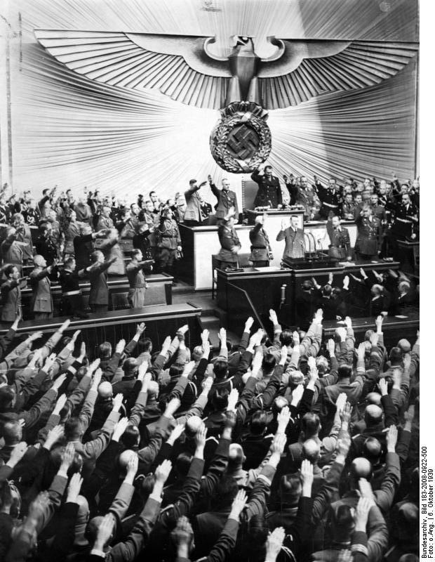 Die Abgeordneten des Großdeutschen Reichstags grüßen den Führer (6.10.39.)